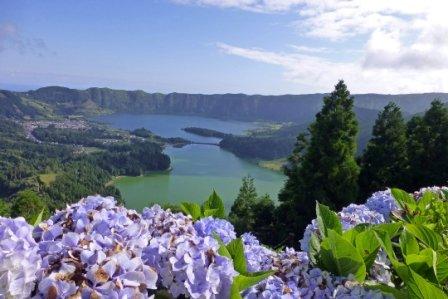 TravelTalk - Naturwunder: die Azoren - © Almut Simon