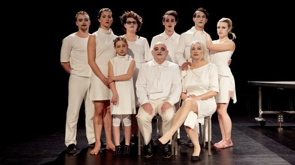 SETanztheater   Cirque de la Famille - Suppe für die Sippe - © Marcel Kohnen
