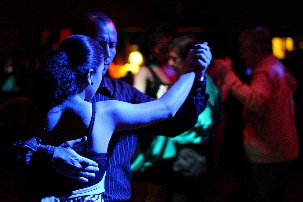 Eine besondere Tangonacht - Una noche de tango especial - © Pixabay