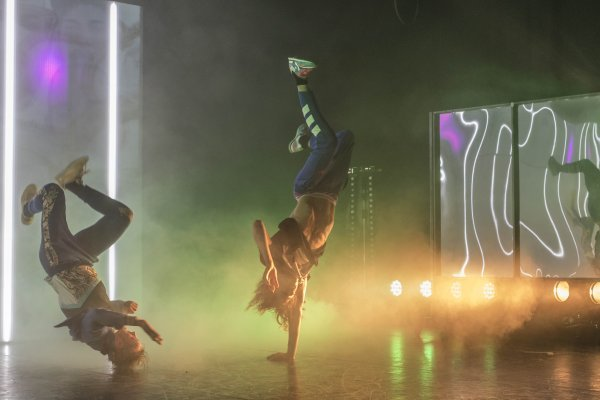 DOX/Maas Theater & Dance - 100 % selfmade - © Kamerich & Budwilowitz