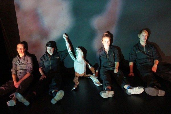 Brachland-Ensemble - Revolution: Alles wird gut! - © Gunnar Seidel