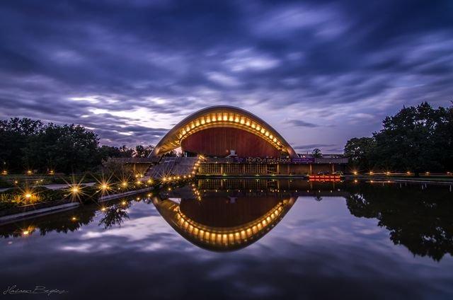 Architektur: gestern und morgen - © Hasan Bryiez