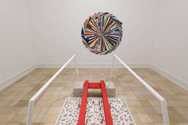 """Mittagskurzführung """"Kunst in Kürze"""" mit Dr. Harriet Zilch - © Haus-RuckerCo: """"Eierbrücke"""", 1972/2017, , Kunsthalle Nürnberg, Susanne Roth: Quod libet, 2017 Foto: Annette Kradisch"""
