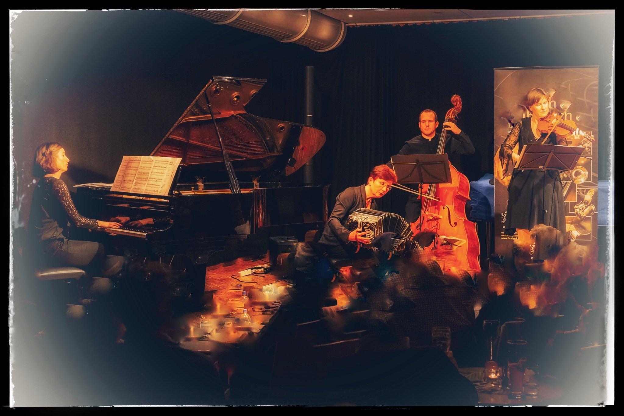 Eine besondere Tangonacht - © Karin Eckstein
