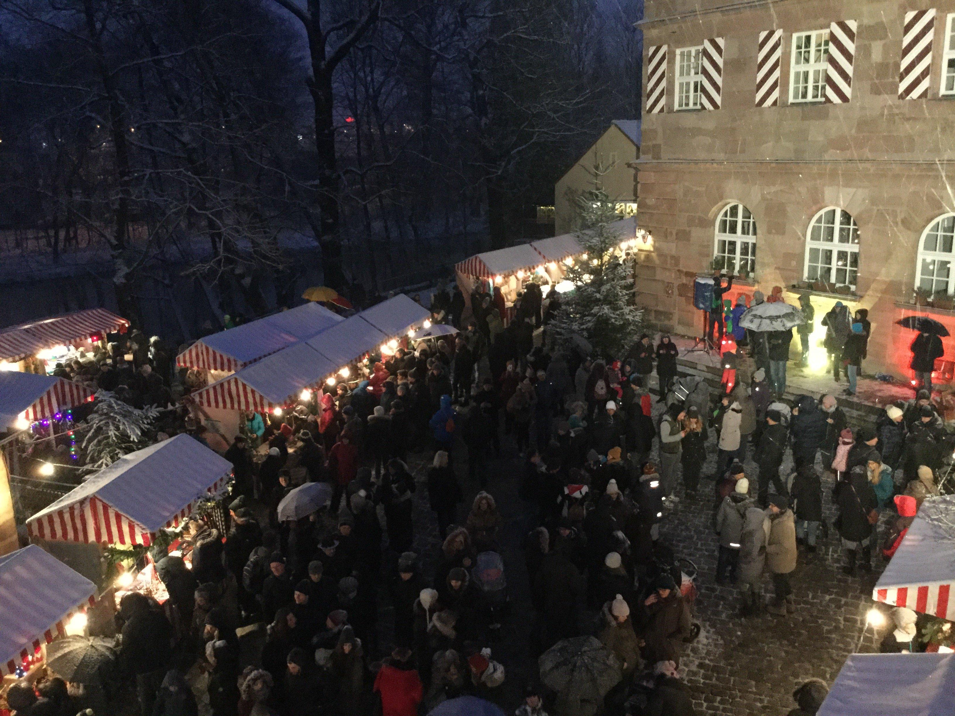 Romantischer Weihnachtsmarkt - © Kulturladen Zeltnerschloss