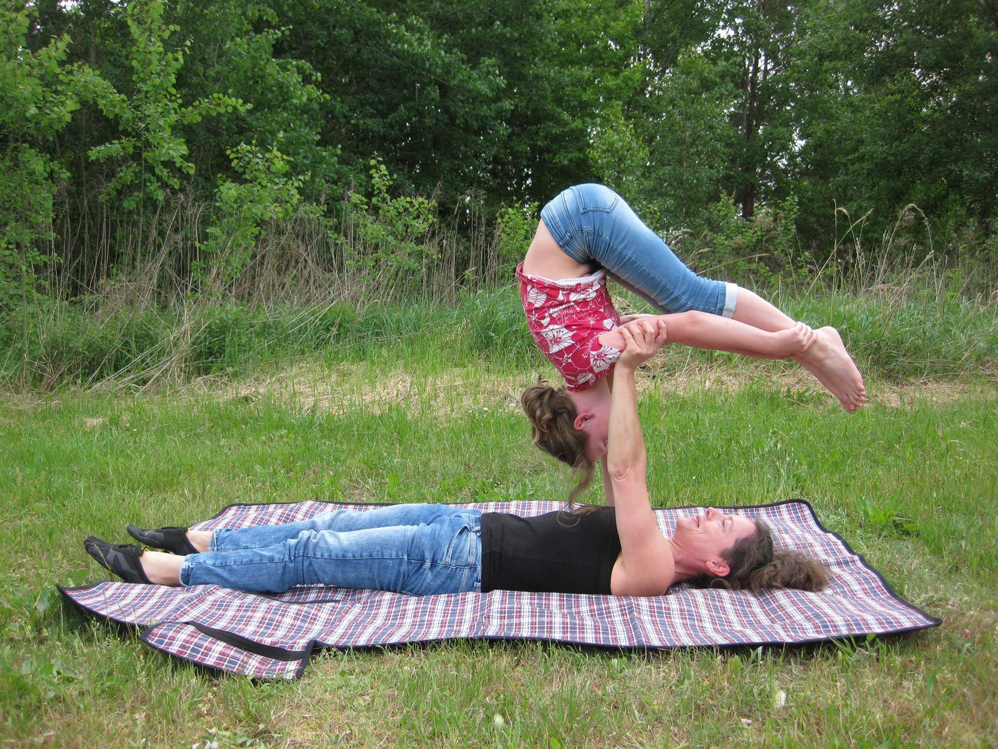 Acro-Yoga trifft Zirkus für Familien - © Sandra Ettling